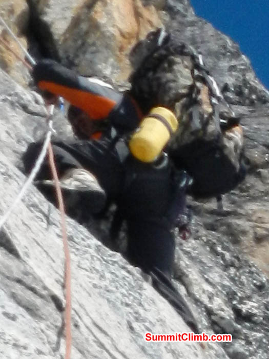 Tenji Sherpa thrutching in the Yellow Tower. Photo Mark van 't Hof.