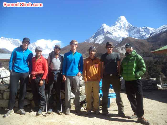 Group photo at Pangboche. Photo Daniel Biner.