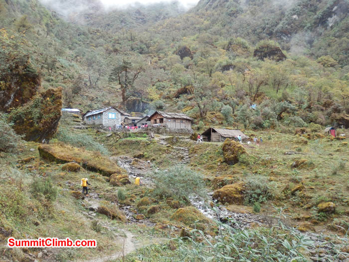 imageChetra Village camp at 4150 metres - 13612 feet. Photo by Susanne.