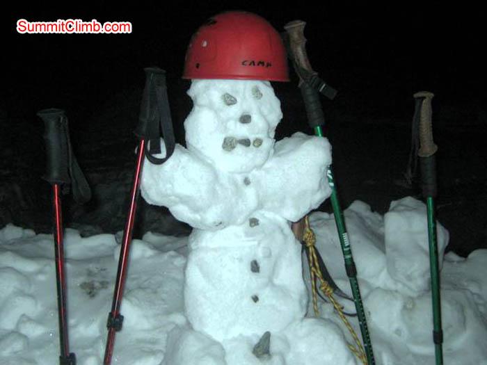 Snow person in Baruntse basecamp. Jussi Kuva Photo.
