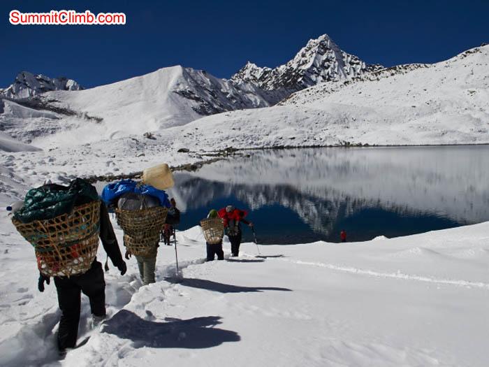 Porters at Panch Pokhari, on the way to crossing the Amphu Labtsa. Felix Berg Photo