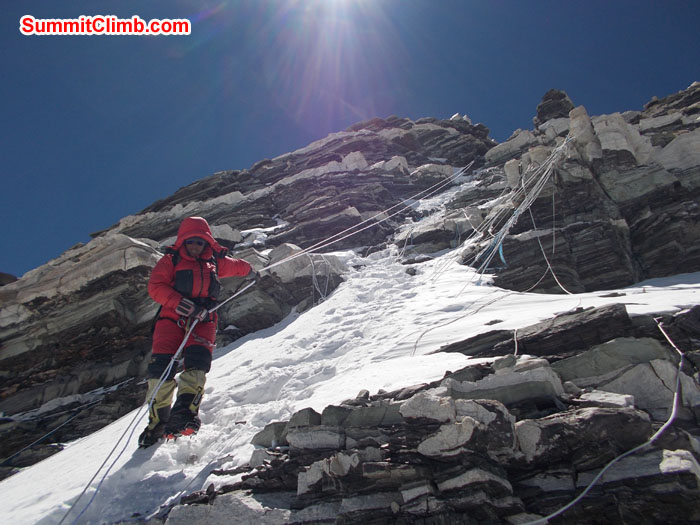 Tenji Sherpa coming down from summit. Photo Wayne Herrick