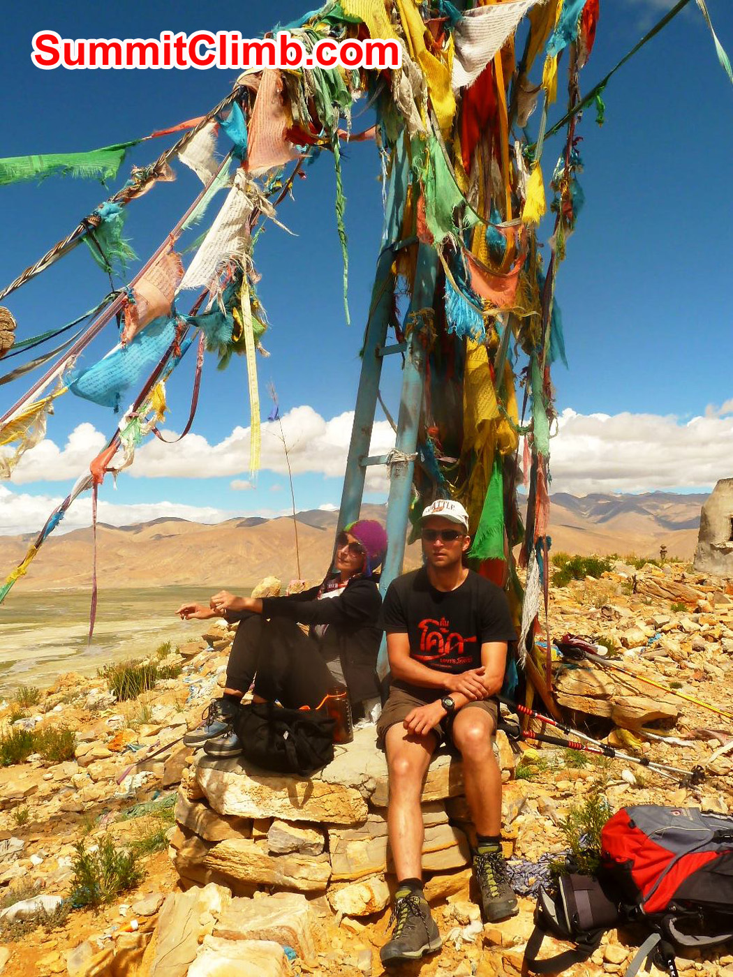 Acclimatization trek in Tingri 4,700m Marina and Uwe Photo by Christoph