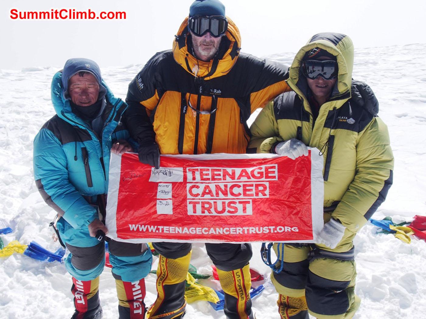 Jangbu, Alan, and Ang Pasang on the summit. Andre Aaldering photo