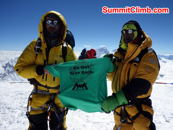 Team at the summit of cho oyu. Photo Farzin