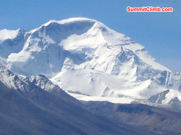 Cho Oyu seen from the Qomolangma viewpoint in Tingri. James Grieve Photo