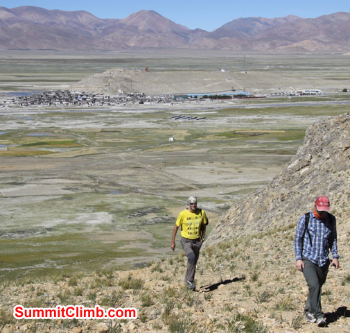 JJ and Matt walk the hills above Tingri. Matti Sunell Photo