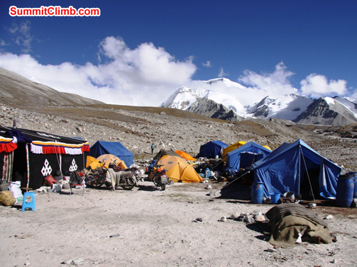 Gyepla camp. Teahouse on left, dining tent on right, Cho Oyu in the distance. Matti Sunell Photo