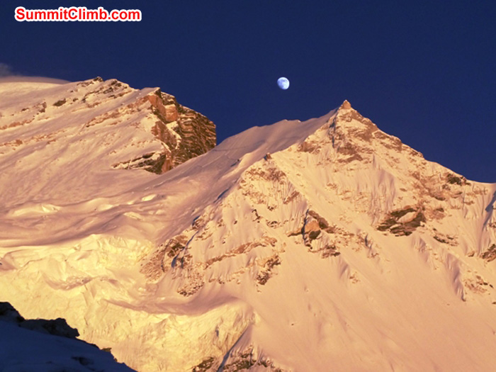 Moon rises over the shoulder of mighty Mount Cho Oyu. Photo by JJ