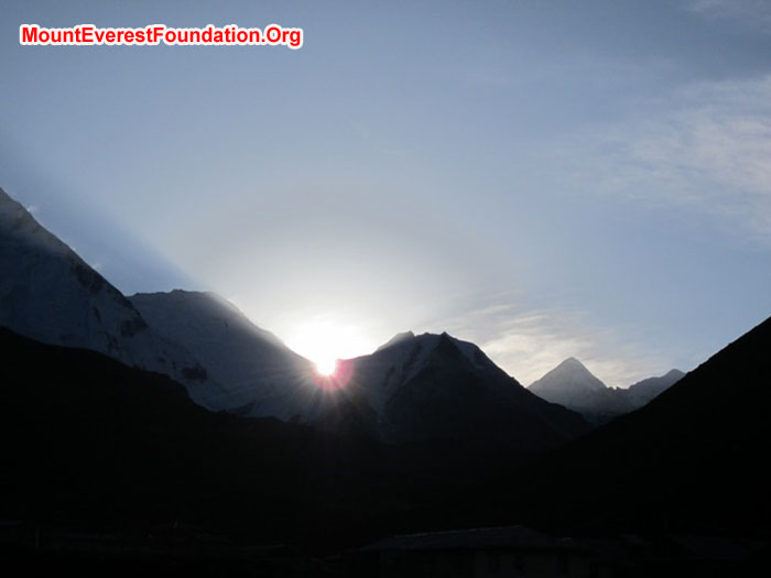 Dawn at Dingboche