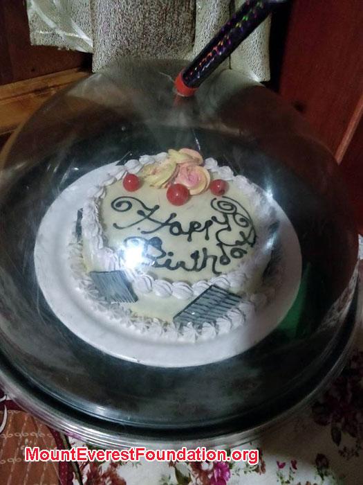 images/Deboche/bday-cake.jpg
