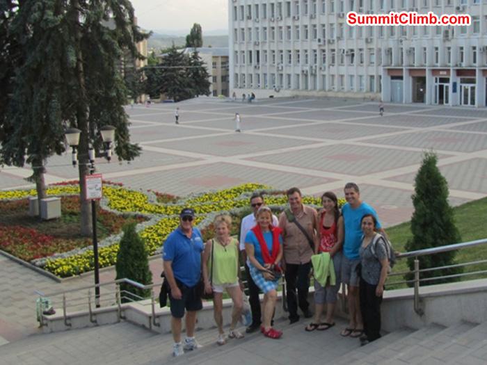 Team photo (Less Dan Hasraburda) in town of Pyatigorsk, Russia. Photo Pramila Kumari