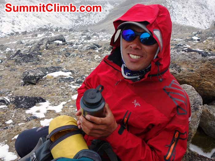 Tenji Sherpa leads an acclimatization trek to 5800 metres on the hills above basecamp. David Maidment photo
