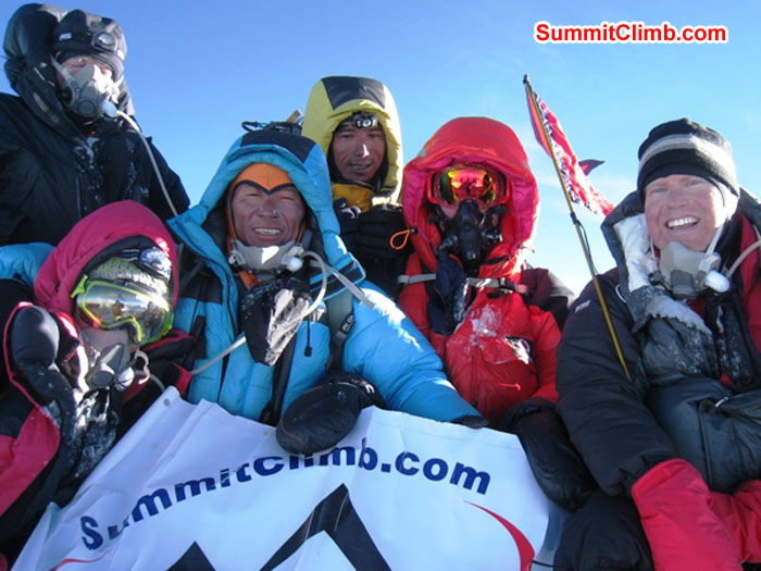 A chance meeting on the summit and an amazing coincidence. SummitClimb's teams from both North (Tibet) and South (Nepal). Mingma Sherpa Photo.JPG