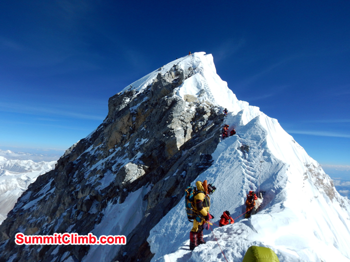 Clear view of the famous hillary step