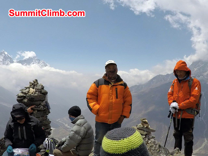 Dan, John and Sherpa resting at Dugla