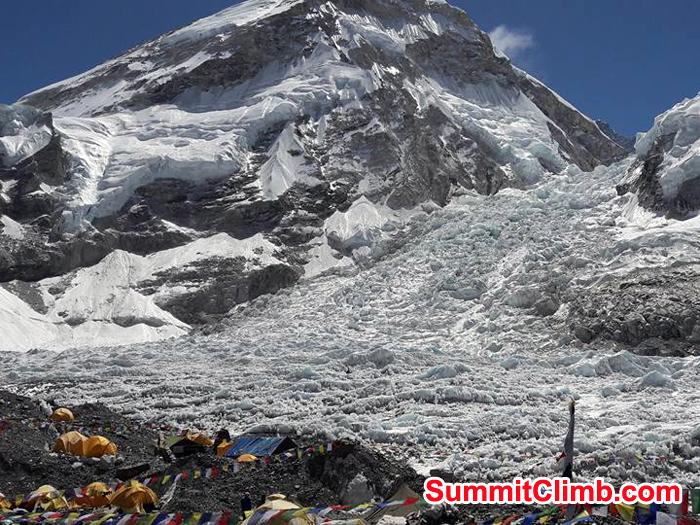 Everest Basecamp khumbu Icefall