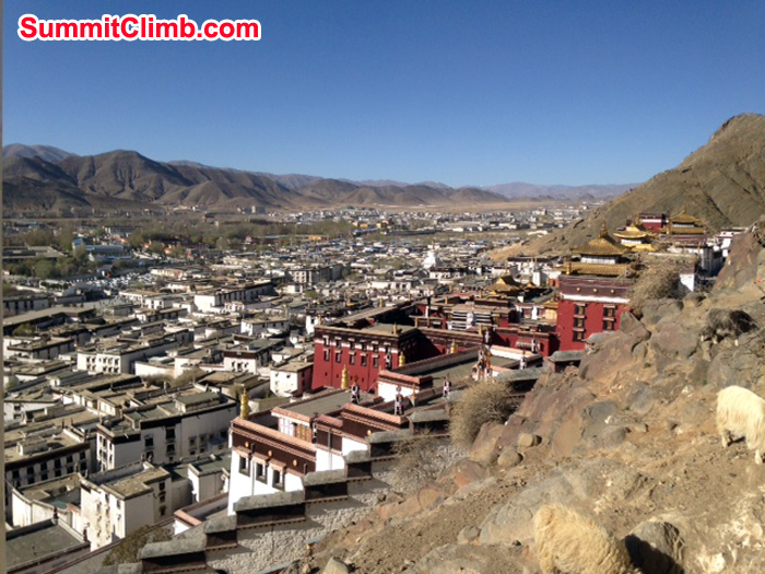 Photo David O'Brien -the monastery with Shigatse in the distance