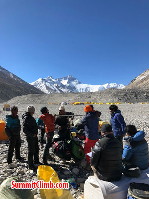 everest climb basecamp