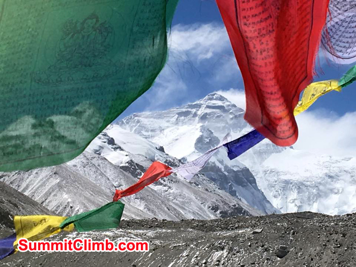 Player flag and the everest