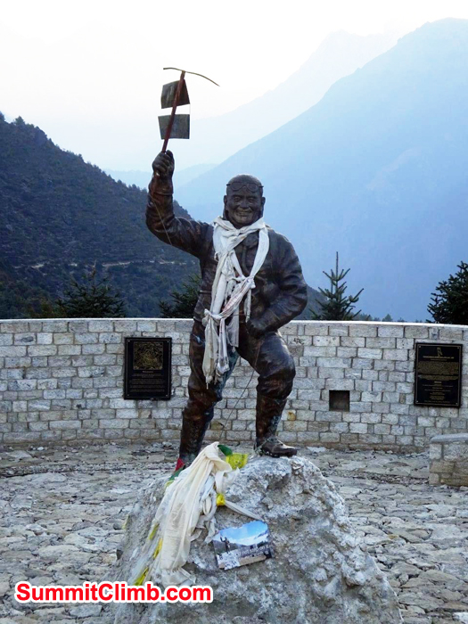 Statue of Tenzing Norgay. Photo Jeff Sorrel