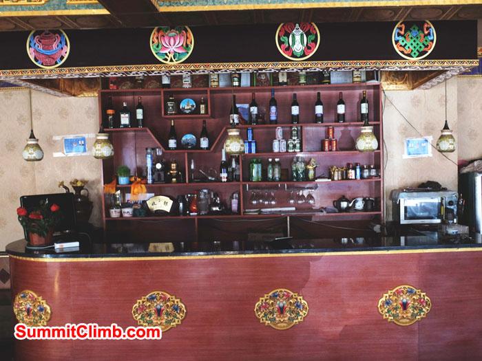 Tingri's Ha Hoo hotel has a classy bar