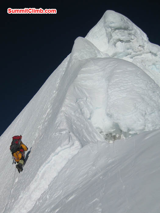Baruntse summit ridge. Photo Marus