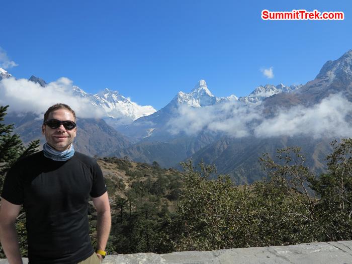Matthew Slater posing a photo just below the Namche bazaar behind Everest, Lhotse and AmaDablam. Photo Mathew