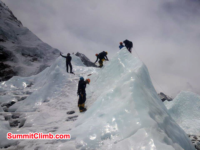 yet another ice training at everest basecamp for lhotse climb