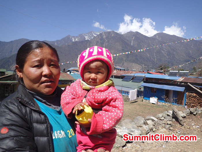 Sherpani and sherpa baby on the way to Lobuche basecamp