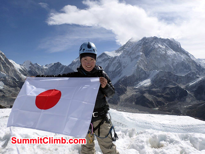 Summit of Lobuche Michiko Eto with Japan flag
