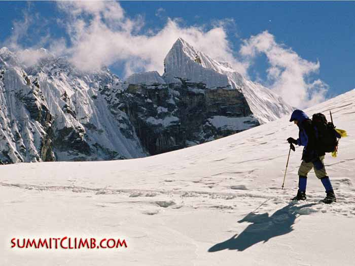 lobuche peak chola glacier