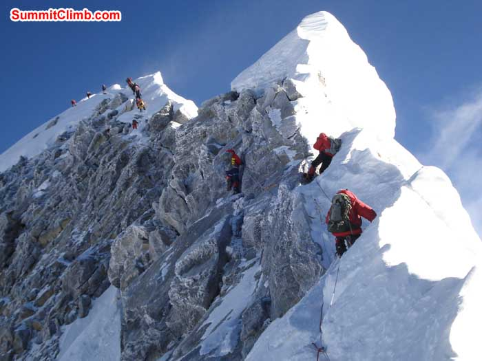 The famous Hillary Step . (Sange Sherpa))