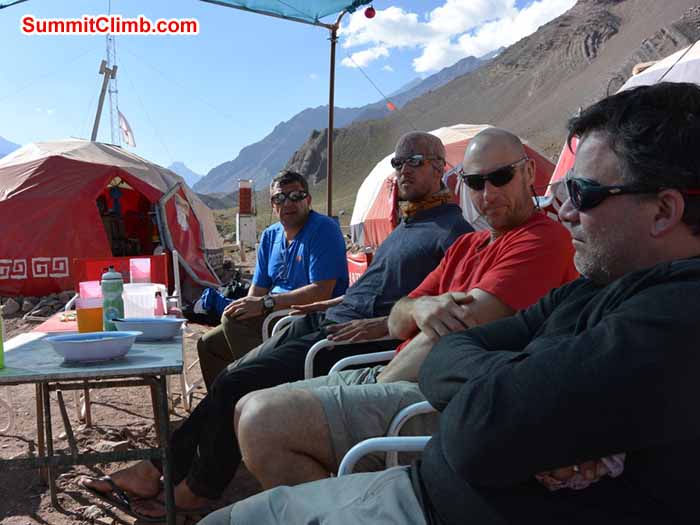 Chilling at Confluencia 3400m - Photo Mike Fairman