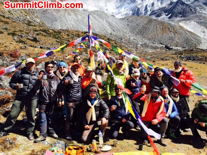 Amadablam summitclimb team ready