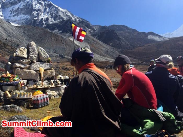 Lama with Felix, Holly & Lakpa Sherpa