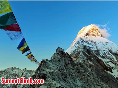 amadablam player flag, evening