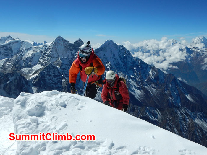 Climbing toward to Summit 10 minutes away from summit amadablam. Photo Photo Felix