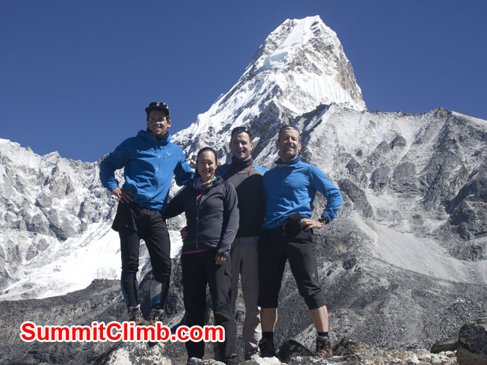 members standing at amadablam abc