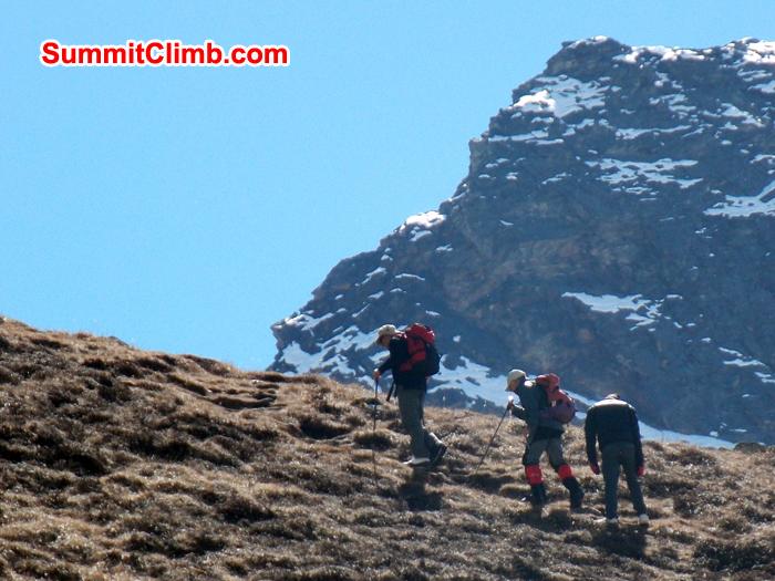 Trek across the Zetra La pass