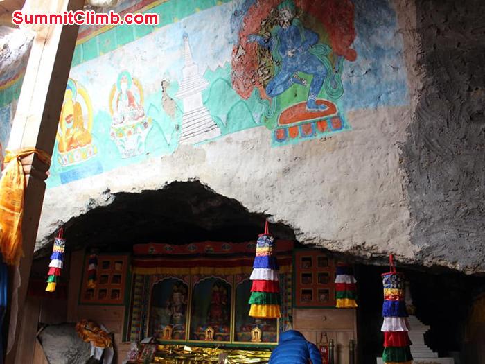 buddha statue and painting