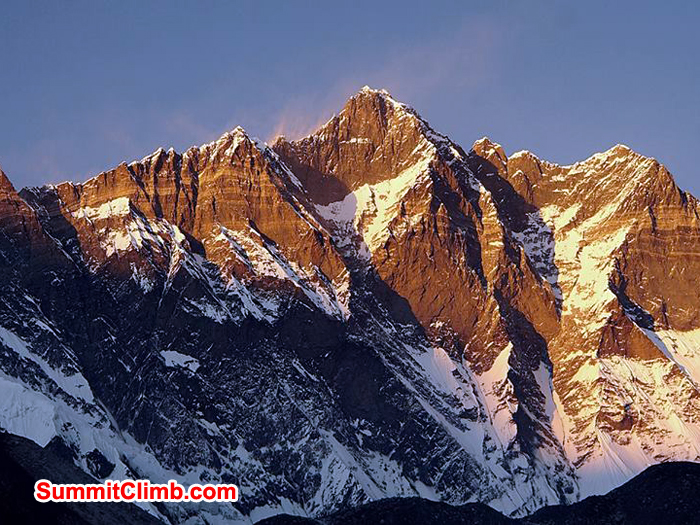 lhotse wall at sunset with everest on the left side