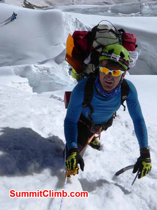 carrying load is not mandatory in manalsu expedition