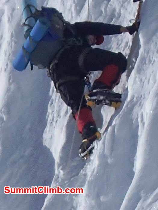 Dan Mazur climbing the icewall to camp 2. Marin Minamiya Photo.