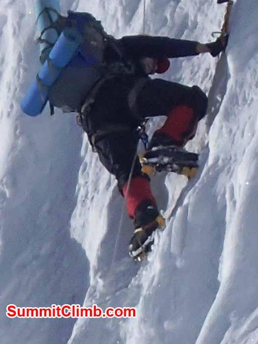 Dan Mazur climbing the icewall to camp 2. Marin Minamiya Photo.