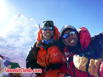 Magnus and Tenji at the top of Manaslu