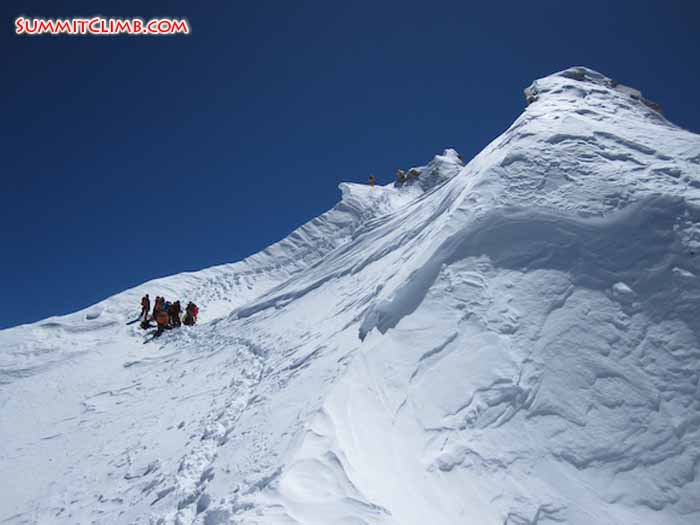 near to the summit of Manaslu