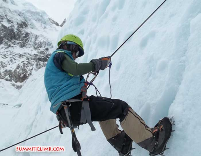 Beow Lim abseiling in the Khumbu Icefall (Beow Lim).