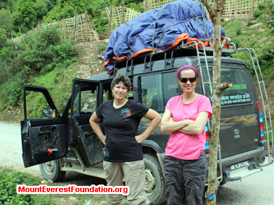 nepal volunteer trek