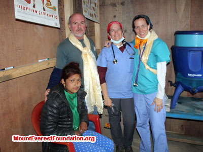 nepal volunteer trek, team in health camp